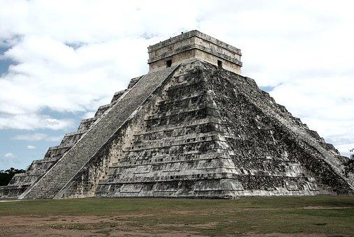pyramid-3313960__340